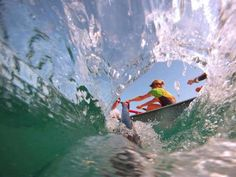 Rowing from inside a wave! I'm obsessed  #rowing