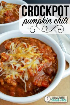 The perfect fall crockpot recipe! Check out this simple and flavorful Crockpot Pumpkin Chili Recipe.