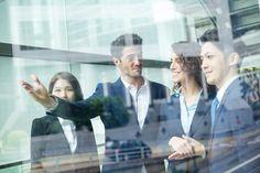 Häufige Arbeitgeberwechsel gehören heute fast zu jedem Lebenslauf. Da drängt sich die Frage auf: Ist Mitarbeiter-Loyalität noch zeitgemäß?