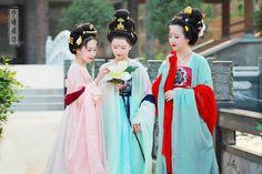 人類中心之國唐朝服飾   Tang Dynasty Costume of humankind's Central Empire      #Hanfu #TangDynasty #TangHanfu #TangDynastyHanfu #China #Chinese #Chinesehanfu #ChinaHanfu #ChineseCostume #ChinaCostume #TangChinaCostume #TangDynastyCostume #唐朝 #中國 #唐朝漢服  #漢服 #神傳文明 #天朝服飾  #服飾 #DivineLand #HeavenlyCostume #DivineHanfu #Costume #Goddess#God #Gods #Heaven #Divine #TheCenter #Center #TheTop #Top