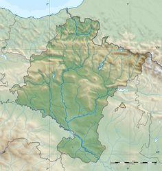 """Navarra se encuentra en la zona oeste de los Pirineos, cordillera que sirve como frontera entre Francia y España. En esta comunidad aparecen las denominadas """"sierras exteriores"""", más bajas y que dan paso a la depresión del Ebro."""