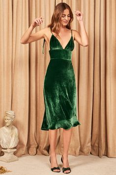 Holiday party dresses - These Holiday Dresses Are So Sexy, We're Weak in the Knees – Holiday party dresses Sexy Dresses, Evening Dresses, Fashion Dresses, Prom Dresses, Elegant Dresses, Summer Dresses, Formal Dresses, Wedding Dresses, Lace Dresses