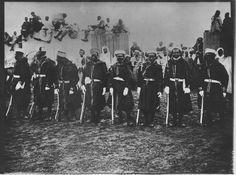 Rabat   La Garde noire du sultan, et en arrière-plan les curieux    1918.06.25