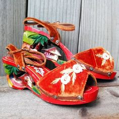 Vintage 1940s Platform Wedge Shoes Peeptoe Sandals Philippines Tiki WW II Souvenir