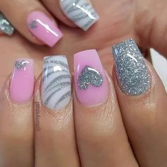Both long nails and short nails can be fashionable and beautiful by artists. Short coffin nail art designs are something you must choose to try. They are one of the most popular nail art designs. Today, in this article, we have collected 40 stylish Fancy Nails, Diy Nails, Cute Nails, Pretty Nails, Gorgeous Nails, Manicure, Teal Nails, Pink Nail Art, Glitter Nail Art