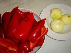 Sterilované kapie s olejem: Pochoutka, bez níž by bylo u stolu smutno | | MAKOVÁ PANENKA Stuffed Peppers, Vegetables, Med, Scrappy Quilts, Red Peppers, Veggies, Vegetable Recipes, Stuffed Pepper