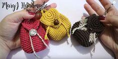 Come fare un portamonete a uncinetto a forma di mini zainetto spiegazioni dello schema in italiano . Sunburst Granny Square, Granny Square Bag, Crochet Crafts, Knit Crochet, Popular Crochet, Crochet Faces, Crafty Craft, Purses And Bags, Free Pattern