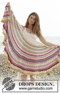 Magic Summer Shawl CAL - free crochet pattern in 9 clues by DROPS design. https://www.garnstudio.com/dropsalong.php?id=4&cid=17