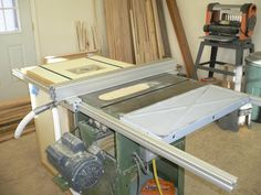 DIY Table Saw Fence #1: Table Saw Fence Woodworking Equipment, Woodworking Bench, Woodworking Projects, Diy Table Saw Fence, Table Saw Accessories, Home Workshop, Workshop Storage, Tool Storage, Aluminum Table