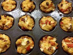 Tojásos muffinok Garlic Bread, Muffin, Keto, Breakfast, Recipes, Food, Women's Fashion, Morning Coffee, Eten