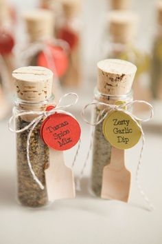 Wedding Gifts For Guests DIY Wedding Favors -- Spice Dip Mix! - If you are looking for a unique wedding favor, you have to check out these spice dip mix vials! Cheap and easy to put together, your guests will love them! Homemade Wedding Favors, Candy Wedding Favors, Rustic Wedding Favors, Wedding Favors Cheap, Personalized Wedding Favors, Unique Wedding Favors, Bridal Shower Favors, Unique Weddings, Wedding Ideas