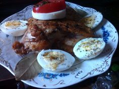 Piept de pui, in stil italian, cu oregano si busuioc - imagine 1 mare Eggs, Meat, Chicken, Breakfast, Food, Morning Coffee, Essen, Egg, Meals