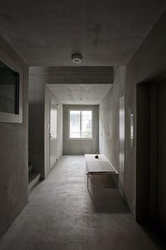 LUZ shirokane / Kawabe Naoya Architects Design Office