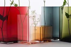 Vase Ruutu par R. & E. Bouroullec / L 11,5 x H 14 cm Rouge cranberry - Iittala - Décoration et mobilier design avec Made in Design