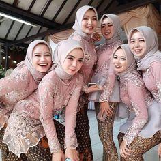 Inspiredn ( - From 💚💙💜💛 Kebaya Muslim, Kebaya Modern Hijab, Model Kebaya Modern, Kebaya Hijab, Kebaya Dress, Muslim Dress, Hijab Mode Inspiration, Malay Wedding Dress, Hijab Stile