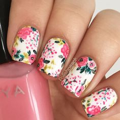 Floral nail designs are among the most popular because we consider flowers to be synonymous to the whole concept of beauty. Plus, whenever we see flowers, we experience some positive emotions, which is definitely a reason to get a floral mani.  Now let's discover the trendiest floral nail art ideas we have collected for you. With so many species of flowers and their shades, how to make a choice? It is simple with this photo gallery. #flowernaildesigns #floralnails #naildesigns