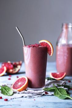 Blood Orange, Berry, & Spinach Smoothie | Vegan, dairy free, gluten free, paleo, and vegetarian. | Click for healthy recipe. | Via Wife Mama Foodie