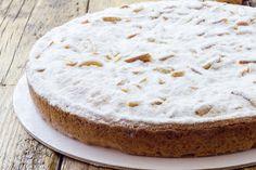 La torta della nonna alle mandorle è una variante della classica torta della nonna ancora più golosa e profumata. Impossibile resistere