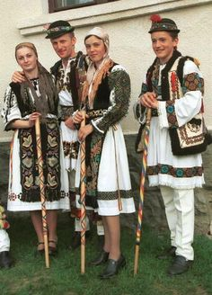 Traditional dress from Mures county, Transylvania. Explore the last bucolic country in Europe, Romania, Maros megyei népviselet, Erdély Folklore, Romanian Men, Costumes Around The World, Folk Clothing, Folk Dance, Ethnic Dress, We Are The World, Folk Costume, World Cultures
