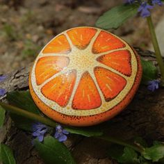 Orange Citrus Stone / Clementine Painted Rock / Tangerine Hand Painted Fruit Rock / Citrus Fruit Series / Leslie Peery #paintedrocks #stoneart #paintedrockideas