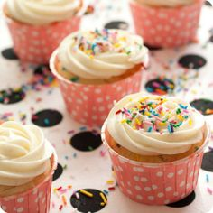 Double Cream Cheese Funfetti Cupcakes by #PhillyAmbassador Lindsey Bell