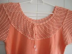 Pala e mangas em croche - ponto pipoca - em linha 100% algodão, para blusa de malha (estilo ribana). <br> <br>Também pode ser confeccionada sem mangas (com alças). <br> <br>Cores e modelos à combinar. <br> <br>Somente a pala = R$25,00