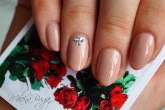 Cyrkonie Swarovskiego   * 5-cio dniowy odrost  #nails #semilac #hybrydy #nude #swarovski #paznokcie