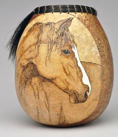 Wood-Burning Patterns for Gourds - Bing images Wood Burning Crafts, Wood Burning Patterns, Wood Burning Art, Decorative Gourds, Hand Painted Gourds, Gourds Birdhouse, Pyrography Patterns, Art And Craft, Art Diy