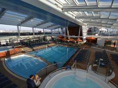 Royal Caribbean  QUANTUM OF THE SEAS: Interior pool