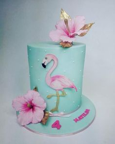 Double barrel birthday cake with hand painted flamingo and sugar flower hibiscus. - Double barrel birthday cake with hand painted flamingo and sugar flower hibiscus… Flamingo Party, Flamingo Cake, Flamingo Birthday, Flamingo Flower, Rodjendanske Torte, Birthday Cake Girls, Hawaiian Birthday Cakes, Sugar Flowers, Cake Flowers