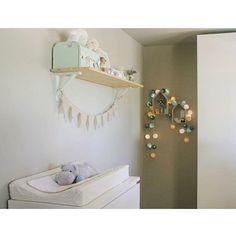 La zona del cambiador puede ser muy mona, basta vestir con Babyshower la colchoneta de plastico y poner tu punto Deco como ha hecho @jennygea. Gracias por la foto! 😘 #baby #babies #adorable #cute #cuddly #cuddle #small #lovely #love #instagood #kid #kids #beautiful #life #sleep #sleeping #children #happy #igbabies #childrenphoto #toddler #instababy #infant #young #photooftheday #sweet #tiny #little #family