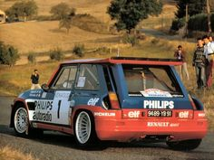 Renault 5 Turbo rally car, these things were beasts. Renault 5 Turbo, Renault Sport, Gt Turbo, Turbo Car, Sport Cars, Race Cars, Renault Nissan, Vintage Race Car, Thing 1