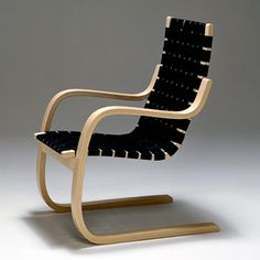 Chair No. Bent laminated birch, textile webbing Design: Alvar Aalto Production: Artek, Finland Conceived as a variation on A. Alvar Aalto, Cool Furniture, Modern Furniture, Furniture Design, Nordic Design, Scandinavian Design, Design Museum London, Ok Design, Design Ideas