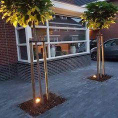 Summer Garden, Home And Garden, Pallet Patio Furniture, Garden Shower, Garden Paving, Tower House, Outside Living, Contemporary Garden, House Front