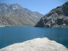 Turquoise lakes of the Fan Mountains in Western Tajikistan Road Routes, My Fantasy World, Alexander The Great, Silk Road, Central Asia, Capital City, Continents, Vacation Ideas, Beautiful Landscapes