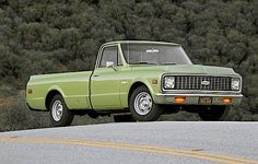 23 Photos From The Prove That Station Wagons Were The Coolest Cars Ever Small Trucks, Gm Trucks, Cool Trucks, Pickup Trucks, Cool Cars, 72 Chevy Truck, Chevy Pickups, Chevrolet Trucks, Station Wagons For Sale