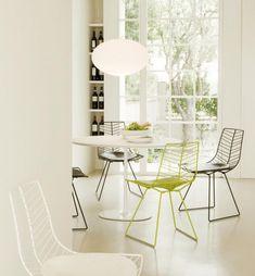 Massive Möbelstücke Können Einem Ohnehin Schon Kleinen Raum Noch Mehr Platz  Wegnehmen Und Erdrückend Wirken.