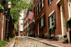 A cobbled stone street in historic Beacon Hill in Boston. Photo Escape, Boston Brownstone, Beacon Hill Boston, Boston Attractions, Places Ive Been, Places To Go, Stone Street, In Boston, Visit Boston