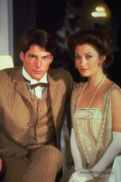 "Jane Seymour (Elise McKenna) and Christopher Reeve (Richard Collier) from the film ""Somewhere in Time"" 1980 Christopher Plummer, Christopher Reeve, Somewhere In Time, Classic Man, Classic Movies, Movie Stars, Movie Tv, Marvel Comics, Celebrities Then And Now"