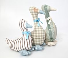 Goose   http://www.etsy.com/listing/94707952/goose-soft-fabric-toy-easter?ref=tre-2415463800-4