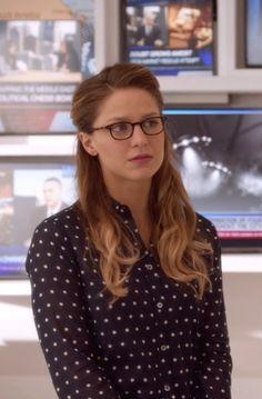 Melissa Benoist Kara Danvers / Supergirl Supergirl S01E08 Hostile Takeover
