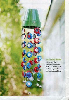 Un excellent carillon d'été pour recycler les bouchons tout en gardant les enfants occupés.,  #bouchons #carillon #enfants #excellent #gardant #occupes #recycler
