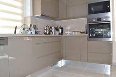"""Képtalálat a következőre: """"magasfényű bézs konyhabútor"""" Kitchen Cabinets, Home Decor, Kitchen Cupboards, Homemade Home Decor, Decoration Home, Kitchen Shelves, Interior Decorating"""