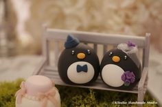 Penguins wedding cake topper