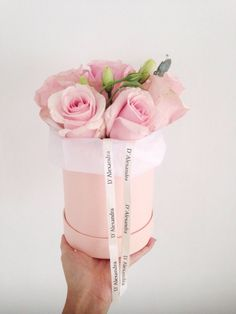 flowers in a hat box - Поиск в Google