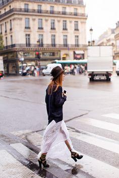 軽やかなスカート。