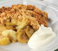 If you have a feijoa tree, you may have so many feijoas that you don't know what to do with them! This Feijoa and Apple Crumble is a fantastic autumn dessert. Apple Crumble Recipe, Pie Crumble, Brunch Recipes, Dessert Recipes, Yummy Recipes, Free Recipes, Recipies, Gluten Free Crumble, Winter Food