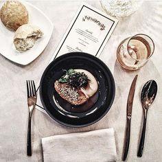 """. """"BLOGGER @ work"""". #bloggeratwork . .  @ilivanilli_ . . The Art of Slow Jacques und Laurent Pourcel haben am Wochenende ein exklusives Dinner-Event im W Hotel Verbier ausgerichtet. Dabei haben sie mit essbaren Wundern und feinsten Zacapa Cocktails den la"""