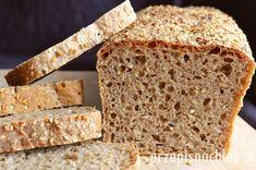 Chleb orkiszowy razowy na drożdżach - wykonany w całości z mąki orkiszowej typ 2000. Bardzo długo zachowuje świeżość – mimo, że przygotowany na drożdżach. Our Daily Bread, Banana Bread, Graham, Food And Drink, Gluten Free, Desserts, Recipes, Breads, Sin Gluten