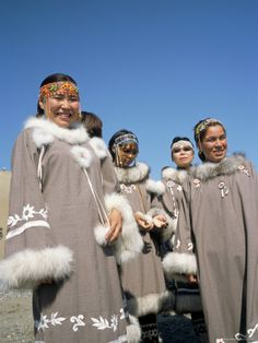 Eskimo Women in Traditional Costume, Lorino Village, Chukchi Peninsula, Russian Far East, Russia Eskimo Costume, Folk Costume, Halloween Costumes, Tribal People, First Nations, People Around The World, American Indians, Traditional Outfits, Super
